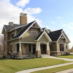 Traditional Exterior Photos Design Ideas, Pictures, Remodel, and Decor - page 32