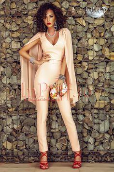 salopeta dama roz pudra cu maneci din voal Wonder Woman, Superhero, Pants, Dresses, Women, Fashion, Elegant, Trouser Pants, Vestidos