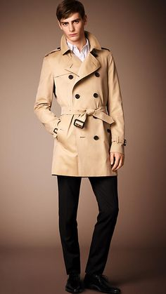 BURBERRY The Kensington - Mid-Length Heritage Trench Coat in Honey $1,695.00 USD