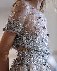haute couture fashion – Gardening Tips Fashion Details, Look Fashion, Runway Fashion, Womens Fashion, Fashion Design, Fashion Trends, 90s Fashion, Fashion Clothes, High Fashion Dresses