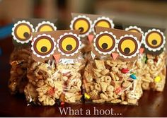Owl treat bags for fall/winter holidays. (Make owls pink or pastels for Valentine's Day)