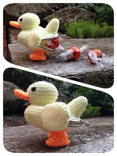 Ravelry: Duck Coin Purse pattern by Laura Sutcliffe Crochet Change Purse, Crochet Coin Purse, Crochet Purses, Crochet Bags, Crochet Dolls, Coin Purse Pattern, Bag Pattern Free, Purse Patterns, All Free Crochet