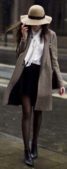 Znalezione obrazy dla zapytania combinacion de falda negra