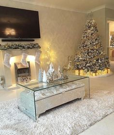 The perfect living room. without kids and a husband The perfect living room. without kids and a husband Winter Living Room, Christmas Living Rooms, Christmas Room, White Christmas, Christmas Holidays, Merry Christmas, Elegant Christmas, Christmas Ornaments, Simple Christmas