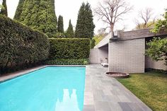 Harry Seidler gissing house. Gotta have a pool. And are you seeing this rain gutter rock garden??!! Form following function, baby!