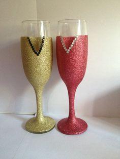 Glitter flute glasses. Gold & Red.