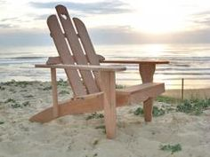 1000 images about benches on pinterest adirondack chairs adirondack chair plans and pallet chair. Black Bedroom Furniture Sets. Home Design Ideas