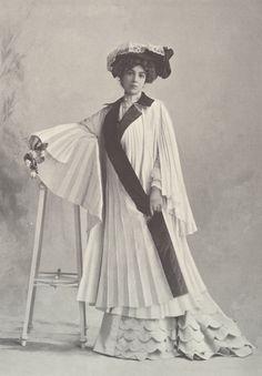 1901, Septembre - Les Modes Paris - Car coat by Redfern