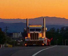 Peterbilt 379, Peterbilt Trucks, Semi Trucks, Night Lights, Big Boys, Seattle Skyline, Rigs, Trailers, Vintage Cars