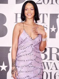Rihanna Is Back! Singer Performs Sexy 'Work' with Drake at the Brit Awards| The Brits, Drake, Rihanna