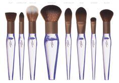Buongiorno PinkBoxiani! Ecco un comunicato stampa fresco di giornata! Neve Cosmetics torna a stupirci, questa volta con Crystal Flawless brushes, ovvero i nuovi pennelli del brand minerale nati per creare la perfetta base viso.