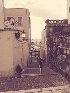 Via del mare, borgo medievale. Città di Nettuno