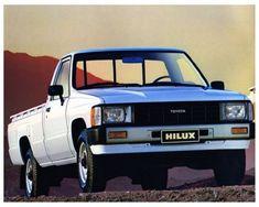 1986-Toyota-HiLux-Pickup-Truck-Factory-Photo-ca4095