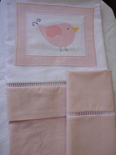 Enxoval de bebe - Lençol de berço, (3 pçs) -  Confeccionado por Maete Atelier www.facebook.com/maete.atelier teresi@globo.com