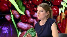 """Emilia Kołodziejska, dietetyk, przestrzega przed skutkami """"diety cud"""" i radzi, jak zdrowo i skutecznie schudnąć. Cud, Blond, Fruit, Vegetables, Vegetable Recipes, Veggies"""