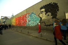 Une fresque d'origamis égaie la ville de Cluj en Roumanie La ville de Cluj-Napoca, en Roumanie, est cette année la Capitale européenne de la jeunesse. L'un des projets événementiels est day15 et il a lieu, vous l'aurez deviné, tous les …