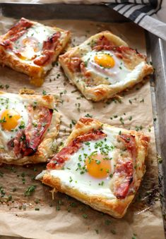 Puff Pastry Croque Madame is the simple Christmas morning breakfast that you've been searching for. Salty, savory and oh so delicious. Snacks Für Party, Breakfast Recipes, Gourmet Breakfast, Breakfast Ideas With Eggs, Easy Brunch Recipes, Recipes Dinner, Healthy Snacks, Easy Meals, Food And Drink
