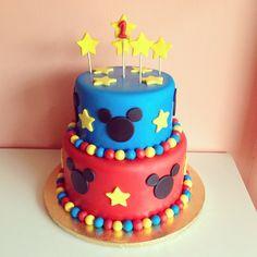 Mickey Mouse Cake by 2tarts Bakery / New Braunfels, Texas / www.2tarts.com
