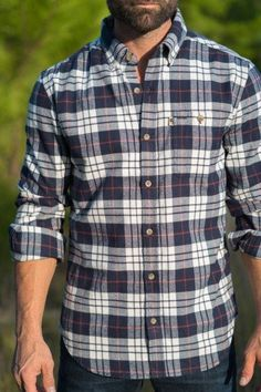 The Capitol Peak Fairbanks Flannel is a medium-weight, breathable flannel that fights the cold and is soft against the skin. Perfect anytime, anywhere. Mens Flannel Shirt, Latest Mens Fashion, Man Fashion, Hipster Fashion, Fashion Wear, Outdoor Outfit, Vintage Men, Casual Shirts, Men Casual