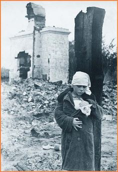 The orphan and the cat: all the family is killed, the settlement is destroyed by German invaders