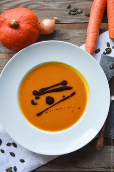 Kürbissuppe mit Curry Pumpkin soup with curry. Mug Recipes, Easy Soup Recipes, Pumpkin Recipes, Vegetarian Recipes, Recipes Dinner, Diet Recipes, Best Pumpkin, Pumpkin Soup, Curry
