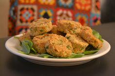 Falafelit ovat ylivoimaisesti lempikasvisruokaani. Ne toimivat erinomaisesti välipalana, salaatin joukossa, pitaleivän täytteenä tai esimerkiksi couscousin kanssa illallisella n...