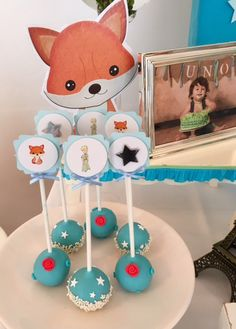 Little Princess - Principito Cake Pops Violeta Glace Prince Birthday Theme, First Birthday Parties, Boy Birthday, First Birthdays, Little Prince Party, The Little Prince, Little Princess, Star Wars Baby, Baby Shower Decorations