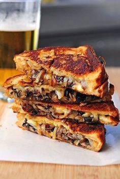 Grilled Gouda with mushrooms and onions