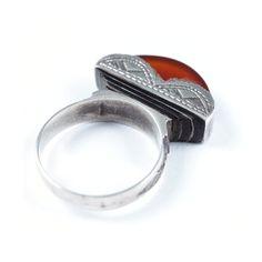 Inel argint și cornalină, simbol feminin tuareg, Sahara #metaphora #silverjewelry #tuaregjewelry #ring #carnelian #sahara Rings For Men, Jewellery, Men Rings, Jewels, Schmuck, Jewelry Shop, Jewlery, Jewelery