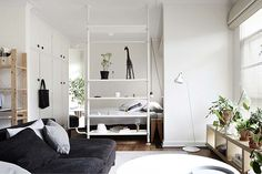 Sweet small studio apartment in South Yarra
