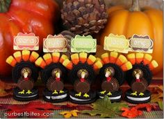 Oreo turkey placeholders. So cute!
