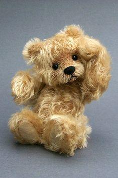 Donna and the Bears: Honors Teddy Hermann, Teddy Bear Images, Antique Teddy Bears, Charlie Bears, Cute Teddy Bears, White Teddy Bear, Bear Wallpaper, Tatty Teddy, Bear Art