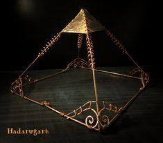 Piramida din cupru pentru energizarea apei sau alimentelor - Hadarugart Arta inseamna viata Chandelier, Ceiling Lights, Home Decor, Candelabra, Decoration Home, Room Decor, Chandeliers, Ceiling Lamp, Ceiling Fixtures