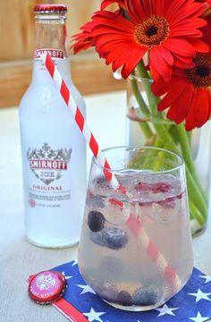 Easy cocktail: Smirnoff Ice Sangria with watermelon, blueberries & raspberries!