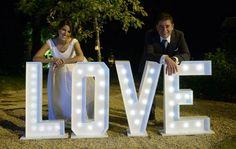 LETRAS LOVE EN MADERA ILUMINADA - Buscar con Google