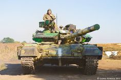 Different camo on Ukrainian during War in Donbass. Tank Mania, Ukraine Military, T 64, Military Armor, Army Vehicles, World Of Tanks, Military Equipment, National Guard, Modern Warfare