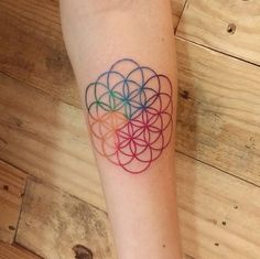 Super Minimalist Geometric Tattoo Sacred Geometry Flower Of Life 38 Ideas Dream Tattoos, Mini Tattoos, Future Tattoos, Body Art Tattoos, Small Tattoos, Sleeve Tattoos, Tatoos, Coldplay Tattoo, Geometric Tattoos