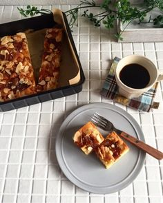 {972EB2F3-7499-42CD-B63F-9E06D2CAF023} Bread Cake, Dessert Recipes, Desserts, Waffles, French Toast, Food And Drink, Sweets, Apple, Cooking