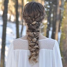 """""""French Lace Fishtails & Curly Braid on myself ❄✨️ I'm so excited to be a guest on @hairstylesbygabby's blog with this hairstyle! There's a link to the post (and some more photos) in her bio!  #luxyhair #dirtyblondeluxyhair"""" Photo taken by @braidsbyjordan on Instagram, pinned via the InstaPin iOS App! http://www.instapinapp.com (12/22/2015)"""