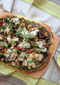 Le pesto de roquette  publié il y a quelques jours a servi de base à une pizza préparée avec de la Crazy Dough . Généreusement garnie de bon...