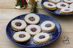 La Ancuţa: Biscuiti Linzer (Ochi de pisica) Biscuit, Gem, Cheesecake, Desserts, Food, Cookie Favors, Cookie, Deserts, Jewel