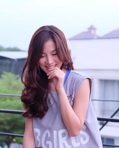 Smile Everyday, Cute Japanese Girl, Thai Model, Asian Beauty, Asian Girl, Actresses, Actors, Long Hair Styles, Queens