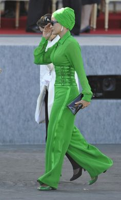 Strange but kinda like it.... maybe another color!!!!! Gorgeous Sheikha Mozah