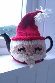 Ravelry: Gnome / Santa Tea Cozy pattern by Sunshine Stewart   This is the cutest thing in the history of Ravelry and Pinterest world!