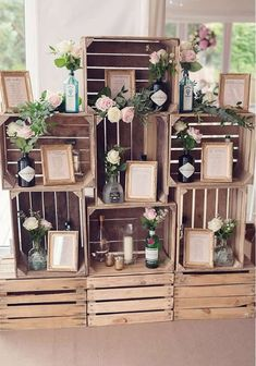 It would be super easy to DIY this rustic stacked wooden crates table plan, featuring seating plans displayed in photo frames and jars and bottles of flowers! This Pink And Gold Wedding Is Too Pretty To Miss - so check it out and be inspired on Wedding Id Wooden Crates Table, Wooden Crates Wedding, Rustic Wooden Box, Crate Table, Wooden Wedding Decorations, Pallet Wedding, Decor Wedding, Wedding Ceremony, Diy Table