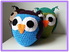 Ravelry: Ballon uil/Balloon owl pattern by Ilse Naaijkens...put a balloon or water ballon inside...such fun!