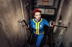 Tis' the season for Fallout, and Baty Alquawen knows how to do it right with this killer Vault dweller/Wendy the Welder cosplay. Fallout Cosplay, Epic Cosplay, Awesome Cosplay, Fallout 4 Vaults, Vault Dweller, Fallout Art, Post Apocalypse, We Can Do It, Group Costumes