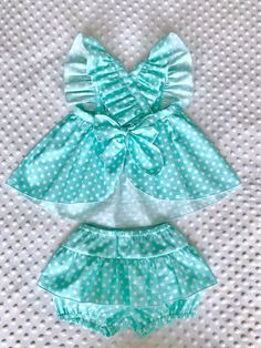Best 11 Emilse sofía s 156 media analytics – Artofit – Page 324048135687282566 – SkillOfKing. Baby Dress Design, Baby Girl Dress Patterns, Little Girl Dresses, Baby Dresses, Cute Baby Clothes, Doll Clothes, Baby Girl Romper, Dress Girl, Girls Rompers