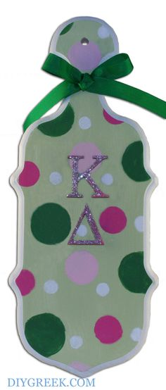 KD Paddle. UGA Kappa Delta, Karli, made this paddle using DIYGreek.com stencils and supplies. Her Chapter doesn't do paddles but she really wanted to have one. #kay dee, #kd, #kappa delta, #paddle, #sister, #little sister, #craft, #idea, #sorority, #greek,  #gift