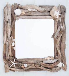 Beach crafts: Sea shells and drift wood. Driftwood and sea shell mirror. Driftwood Frame, Driftwood Projects, Driftwood Ideas, Driftwood Fish, Seashell Art, Seashell Crafts, Seashell Mobile, Seashell Frame, Mermaid Crafts